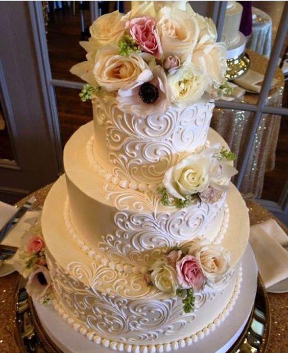20 Ways To Decorate Your Wedding Cake With Fresh Flowers: 20 Elegant Vintage Buttercream Wedding Cakes