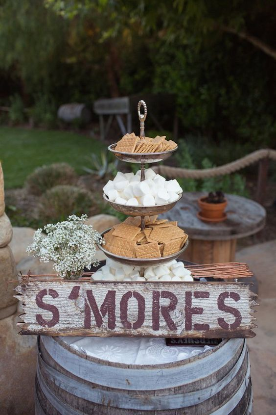20 Best of S\'more Bar Wedding Food Station Ideas | Roses & Rings