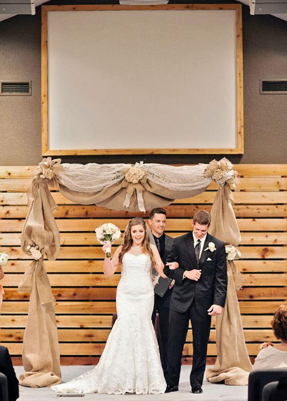Top 20 Rustic Burlap Wedding Arches & Backdrop Ideas