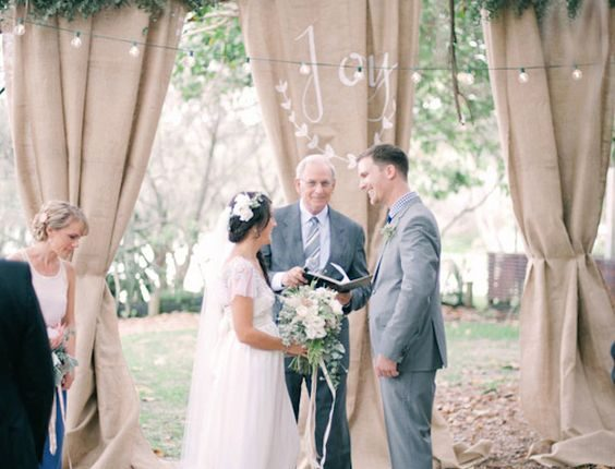 rustic burlap wedding backdrop