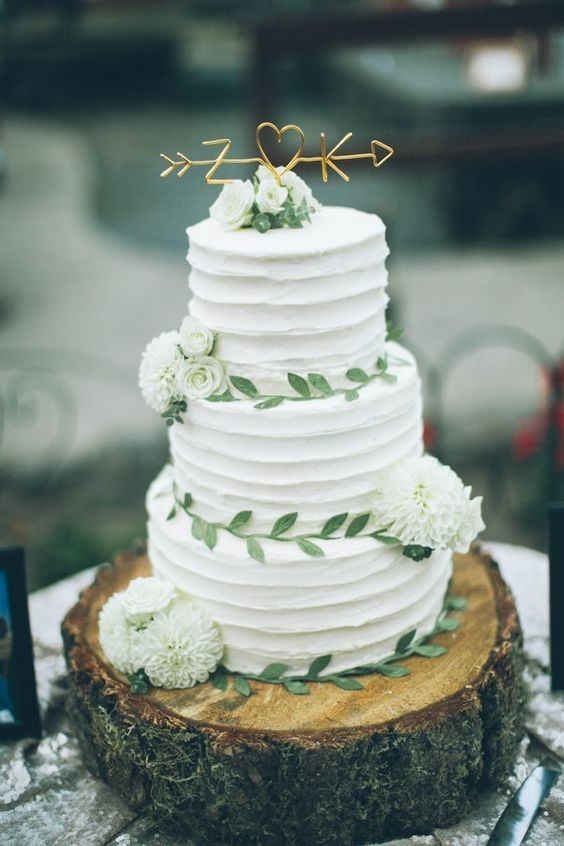20 Sweetest Buttercream Wedding Cakes | Roses & Rings