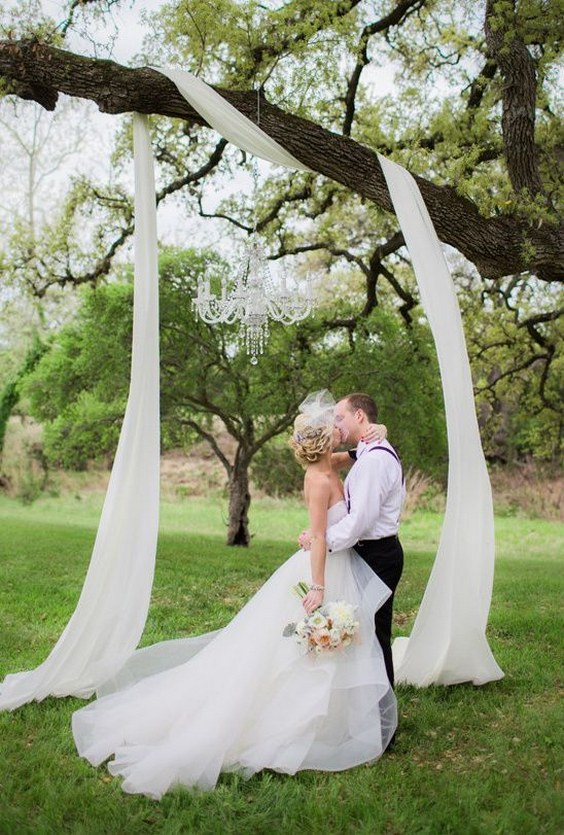 Top 20 Wedding Tree Backdrops and Arches Roses & Rings