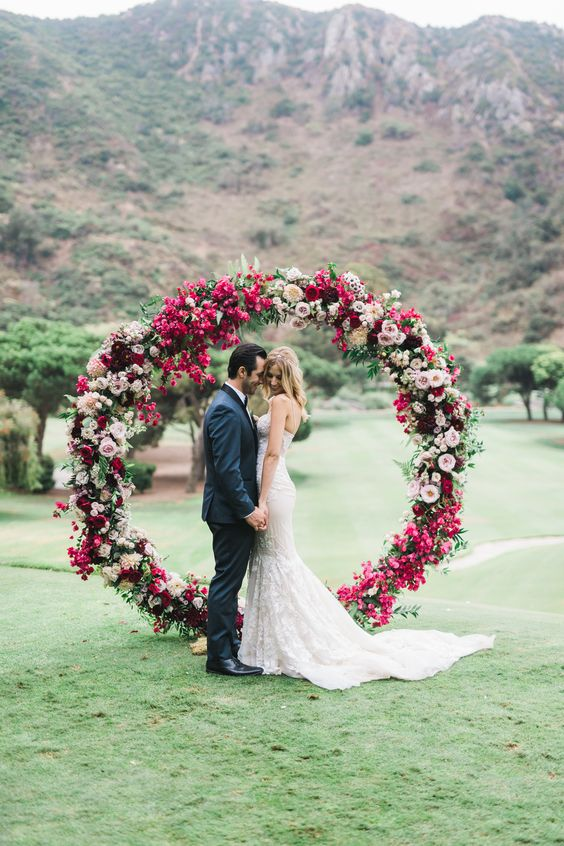 Top 20 Wreath Amp Circle Wedding Arches Amp Backdrops Roses