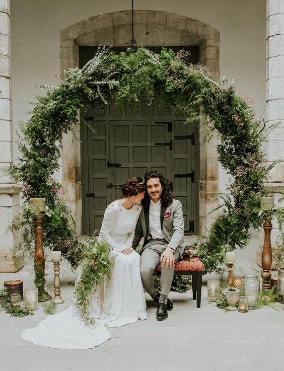 Top 20 Wreath & Circle Wedding Arches & Backdrops Roses