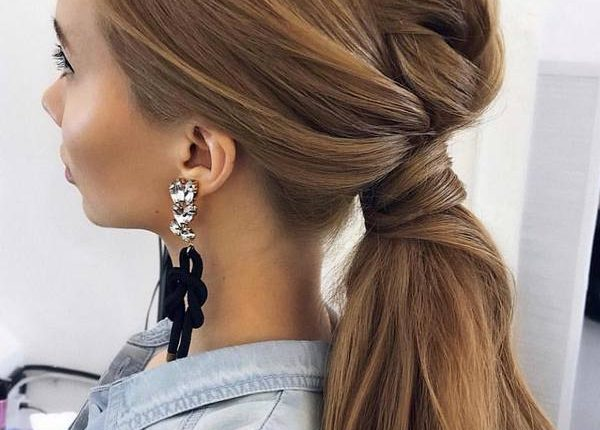 Ulyana Aster Long Wedding Hairstyles and Updos 11