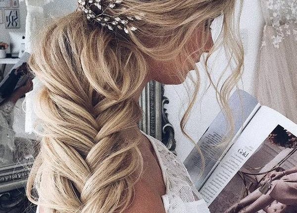 Ulyana Aster Long Wedding Hairstyles and Updos 4