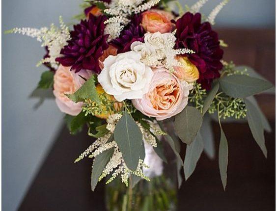 burgundy, white and peach wedding centerpiece