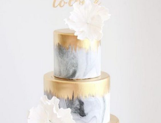 gold and gray marble wedding cake