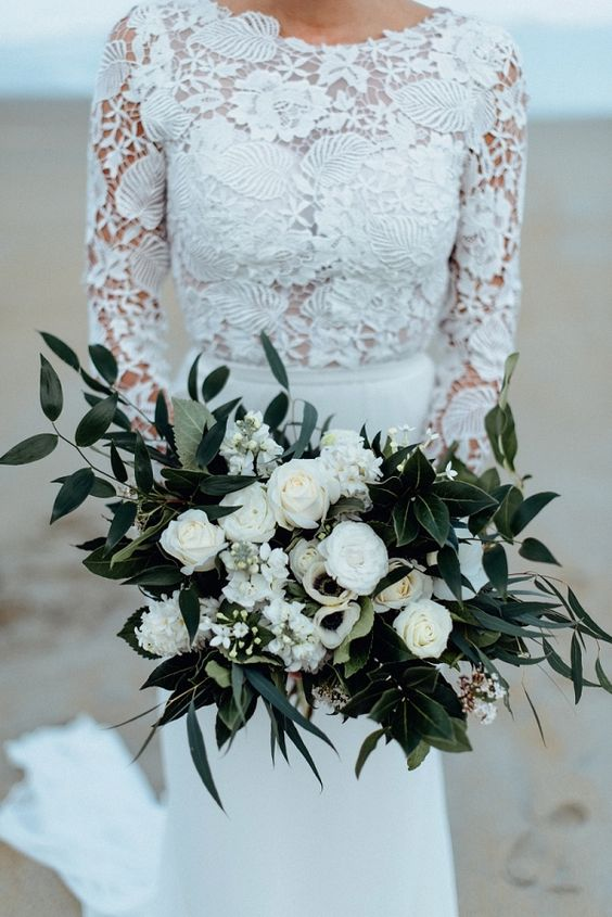white lace wedding cakes