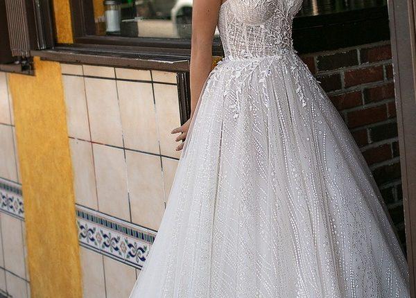 Berta 2019 Wedding Dresses 0O7A1559