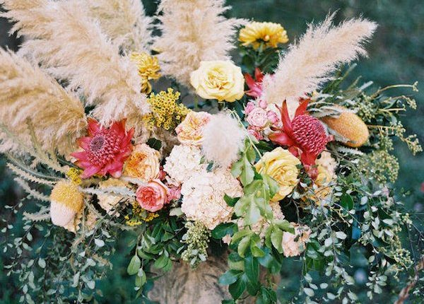 Pampas Grass and yellow roses wedding decor idea