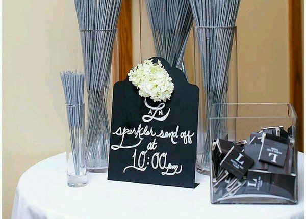 guest favors sparklers and matchbooks