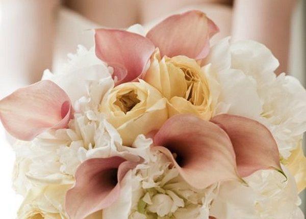 Blush, pale yellow and ivory the ulitmate feminine wedding bouquet