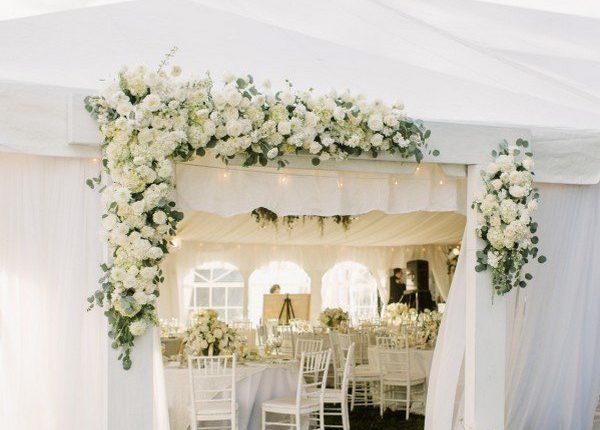 elegant white and greenery tented wedding reception decoration ideas