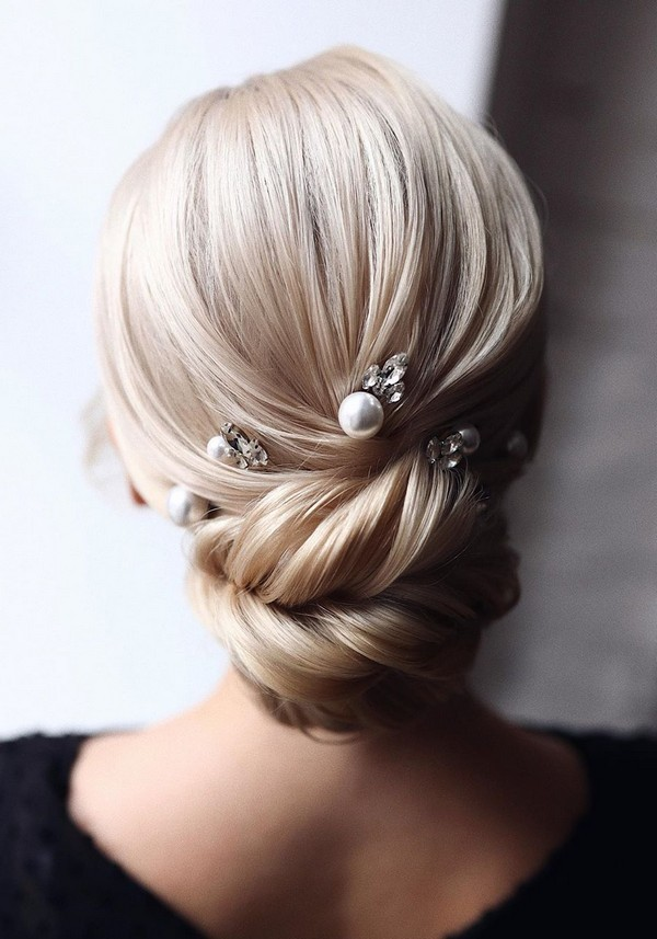 20 Classic Low Bun Wedding Hairstyles From Tonyastylist