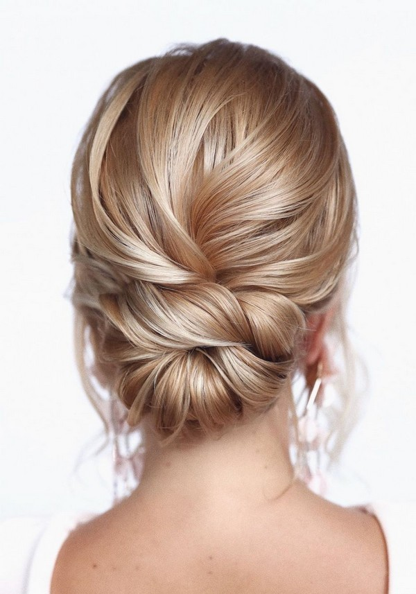 20 Classic Low Bun Wedding Hairstyles from Tonyastylist | Roses & Rings