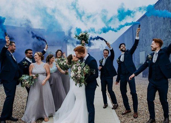 Colorful Smoke Bomb Wedding Photo Ideas 10