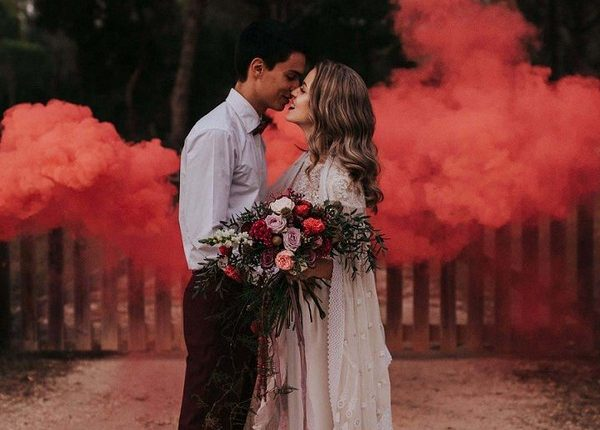 Colorful Smoke Bomb Wedding Photo Ideas 14