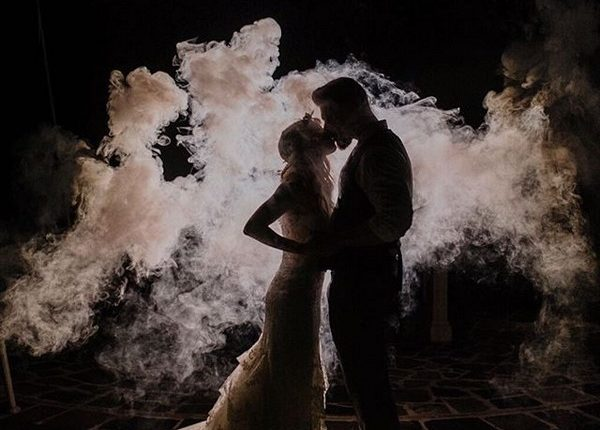 Colorful Smoke Bomb Wedding Photo Ideas 18