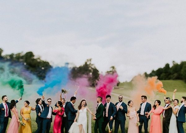 Colorful Smoke Bomb Wedding Photo Ideas 7