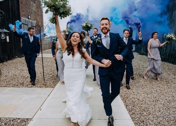 Colorful Smoke Bomb Wedding Photo Ideas 8