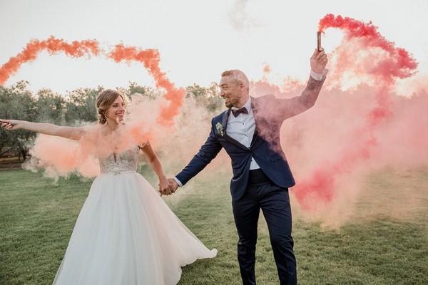 Colorful Smoke Bomb Wedding Photo Ideas 9
