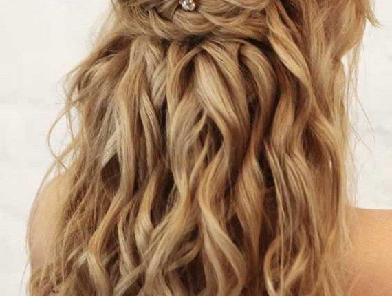 Half up half down wedding hairstyles 31