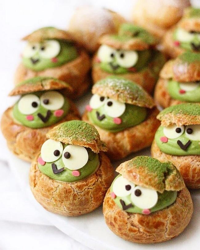 Keroppi matcha cream puffs