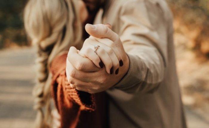 Engagement Ring Shot Engagement Photo Ideas1