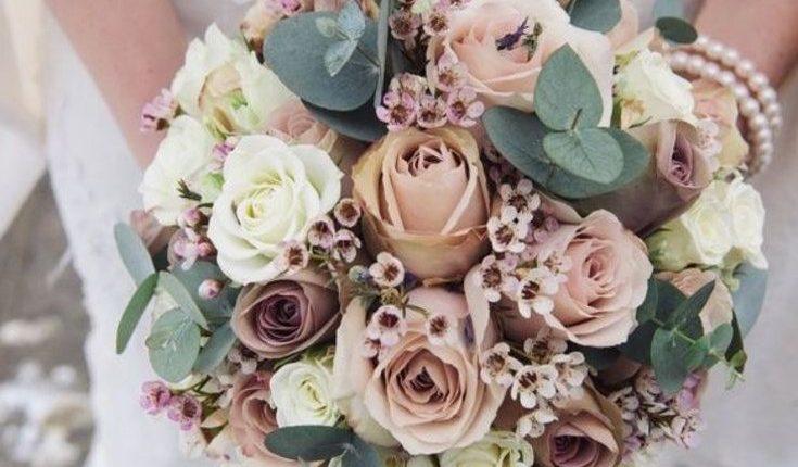 dusty rose vintage winter wedding bouquets