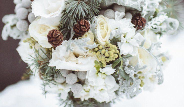 unique and pretty winter wedding bouquets ideas