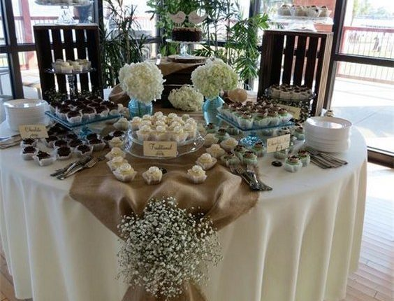 Burlap, rustic table decorations
