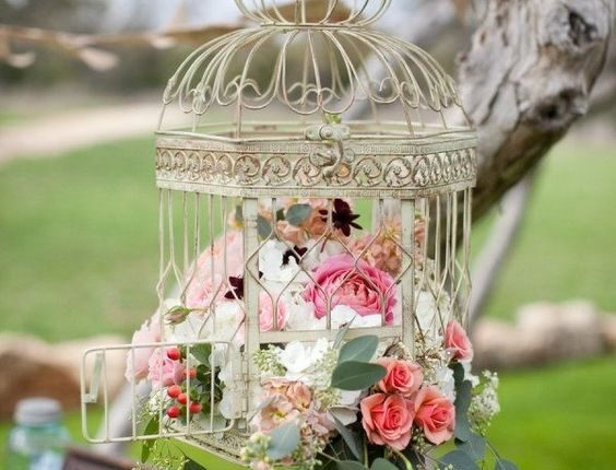 Hanging Vintage Birdcages Wedding Decor