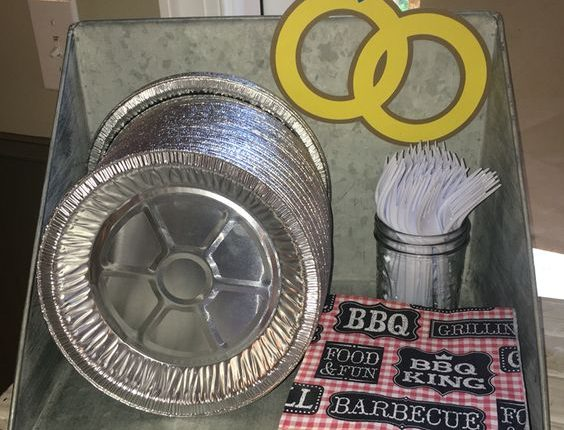 I do BBQ! Pie pans as plates
