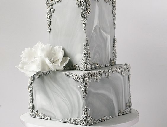 Marble and bas-relief wedding cake