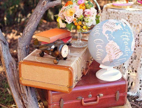 Vintage Suitcases wedding idea