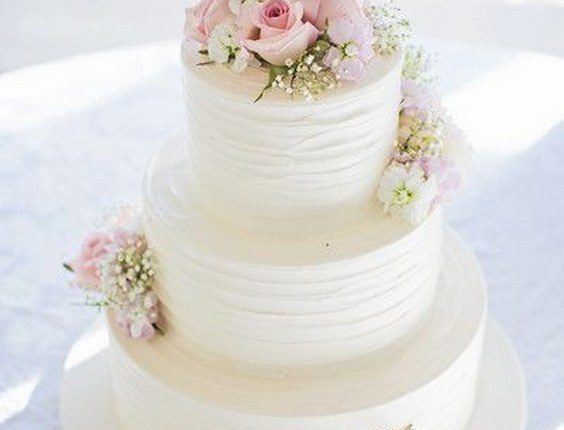 White, pink and gold wedding cake idea – three-tier white wedding cake with pink roses