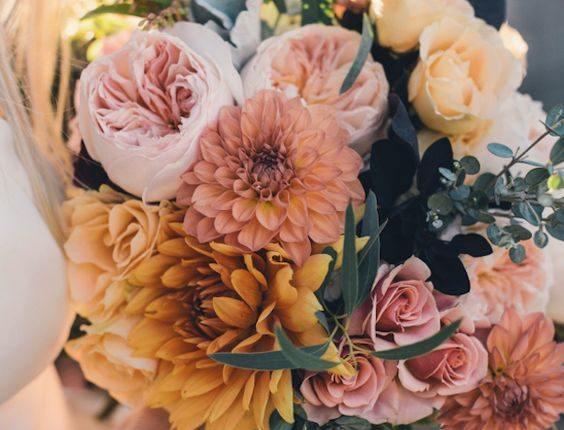 coral and blush fall wedding bouquet