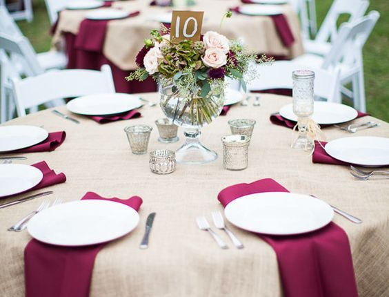 maroon and burlap wedding table decor