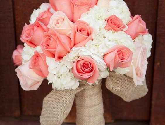 pink roses and white hydrangea burlap wedding bouquet