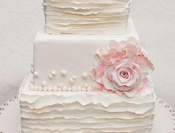 ruffle vinatge square wedding cake