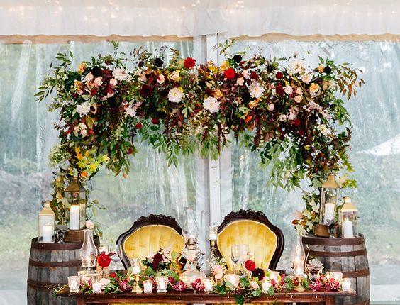 vintage fall burgundy sweetheart table