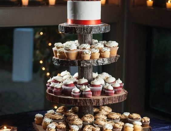 wooden slab cupcake stand