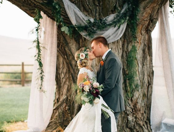 farm wedding tree backdrop