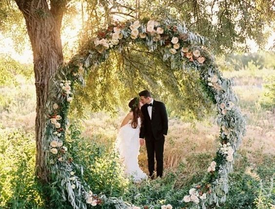 boho greenery wedding wreath backdrop idea