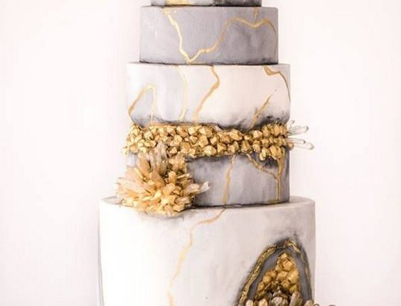 Gold and grey geode cake