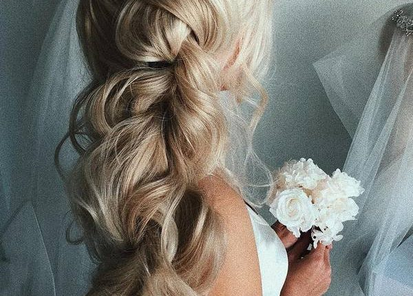 Ulyana Aster Long Wedding Hairstyles and Updos 15