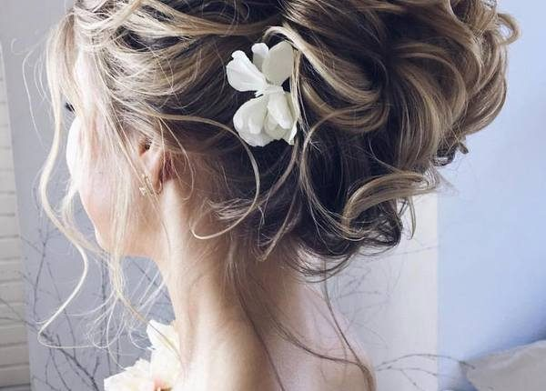 Ulyana Aster Long Wedding Hairstyles and Updos 6