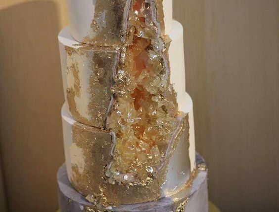 gold geode wedding cake