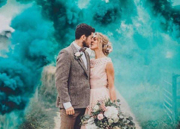 Colorful Smoke Bomb Wedding Photo Ideas 24
